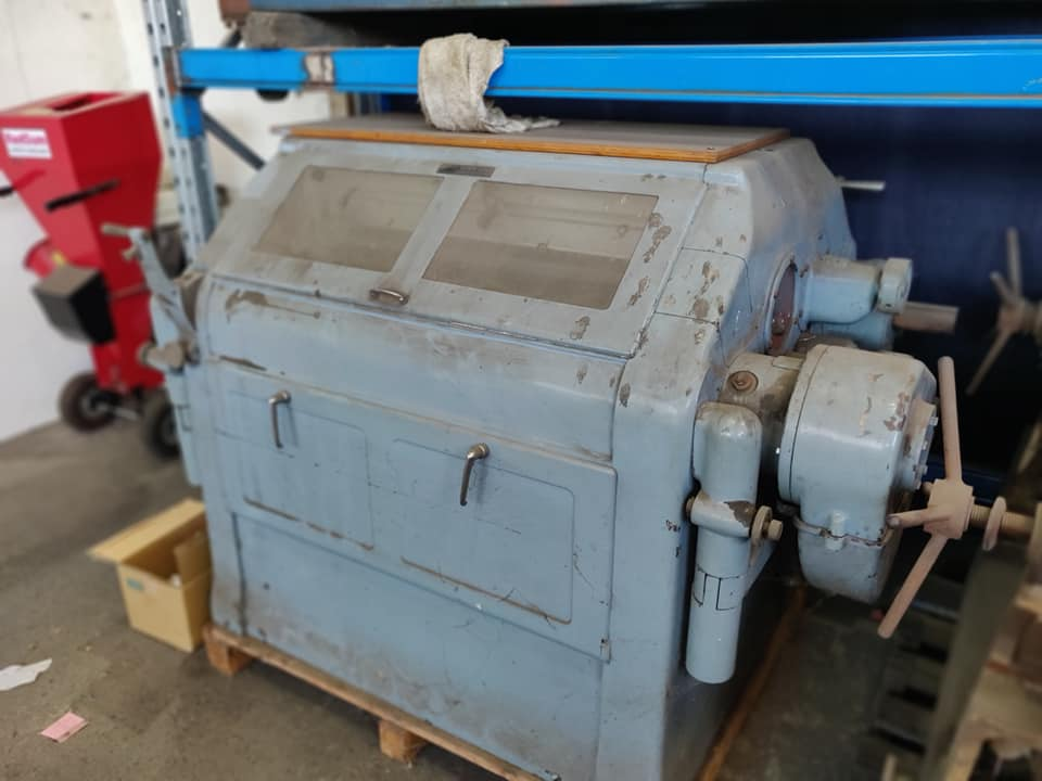 Simon Double-Sided Roller Mill